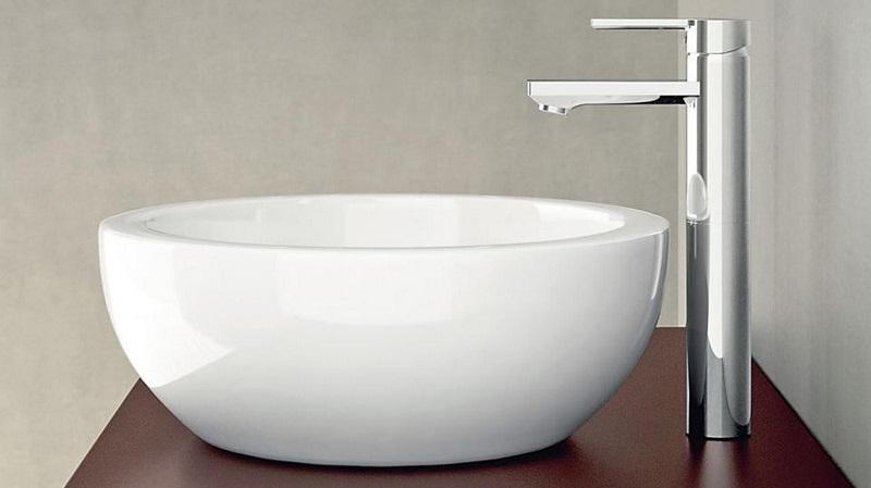 Bagno di piccole dimensioni soluzioni bagno piccolo for Piccoli mobili design