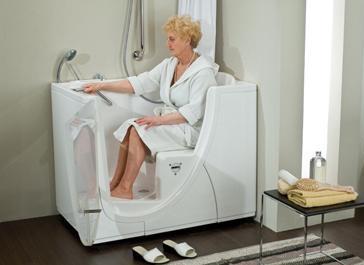Comodo e sicuro il bagno per anziani e disabili daripa - Vasche da bagno per anziani ...