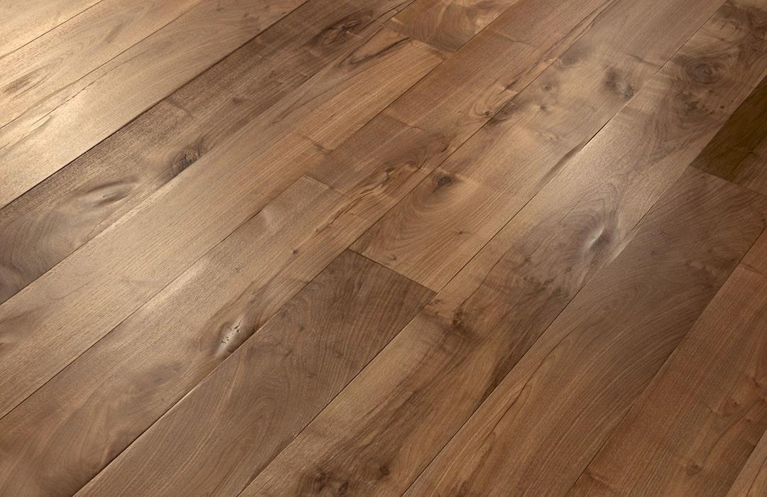 foglie-d'oro-parquet-lecce-pavimento-elegante-legno-daripa